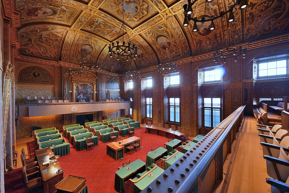 De Eerste Kamer blijft met vragen zitten na de hoorzittingen